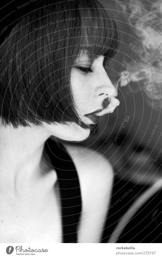 all that jazz. Feminine Young woman Youth (Young adults) 1 Human being 18 - 30 years Adults Black-haired Brunette Short-haired Bangs Smoking Authentic Elegant