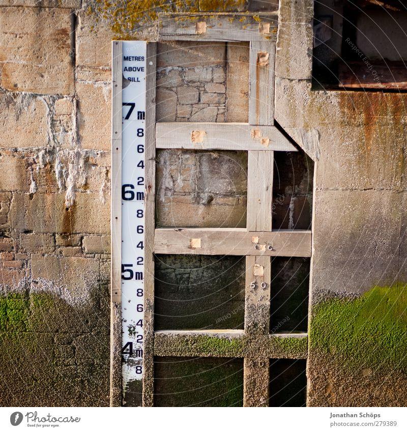 7m Harbour Measure Measurement Meter Water level Flood Low tide Liverpool Dock Ruler Signal Motionless Scale Water damage Shipyard Water basin Limit