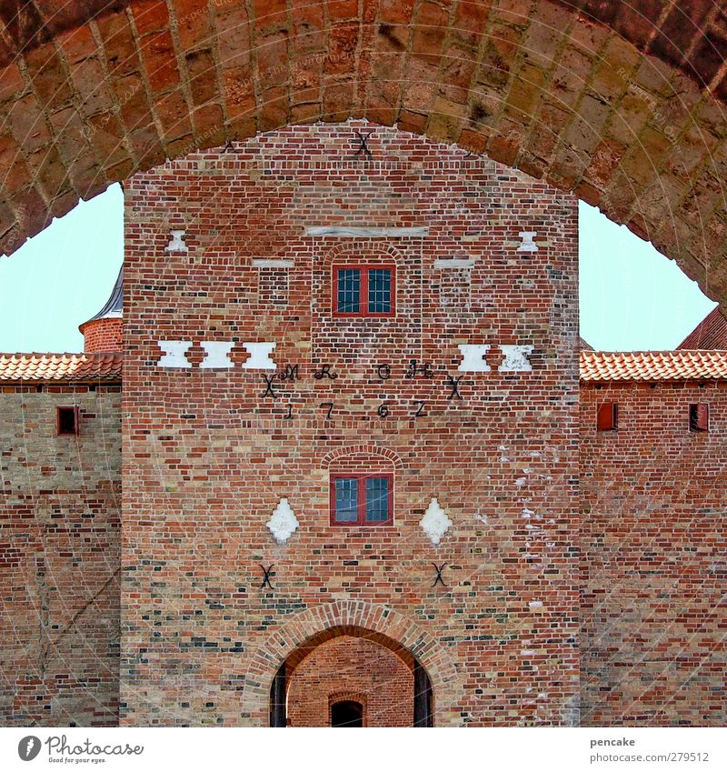 Spøttrup Borg | view Castle Wall (barrier) Wall (building) Facade Door Tourist Attraction Stone Brick Safety Protection Culture Might Tourism Tradition