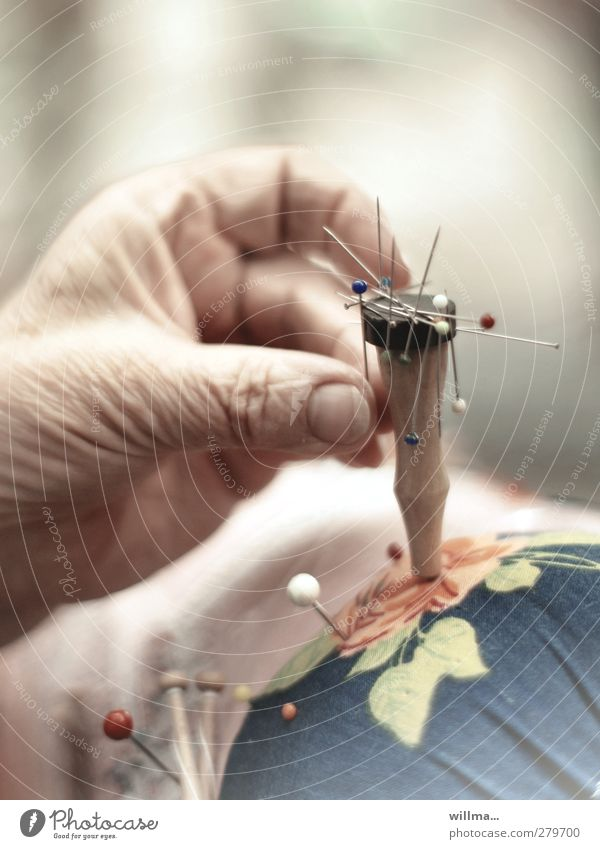 Hand Senior citizen Leisure and hobbies Fingers Wrinkle Grasp Endurance Diligent Pin Handcrafts Magnet