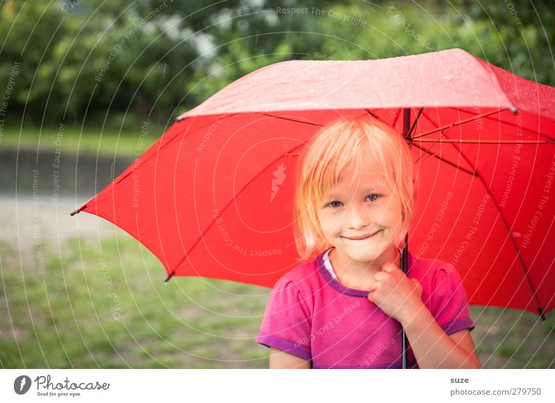Human being Child Green Red Girl Face Hair and hairstyles Small Head Fashion Weather Blonde Infancy Leisure and hobbies Stand Lifestyle