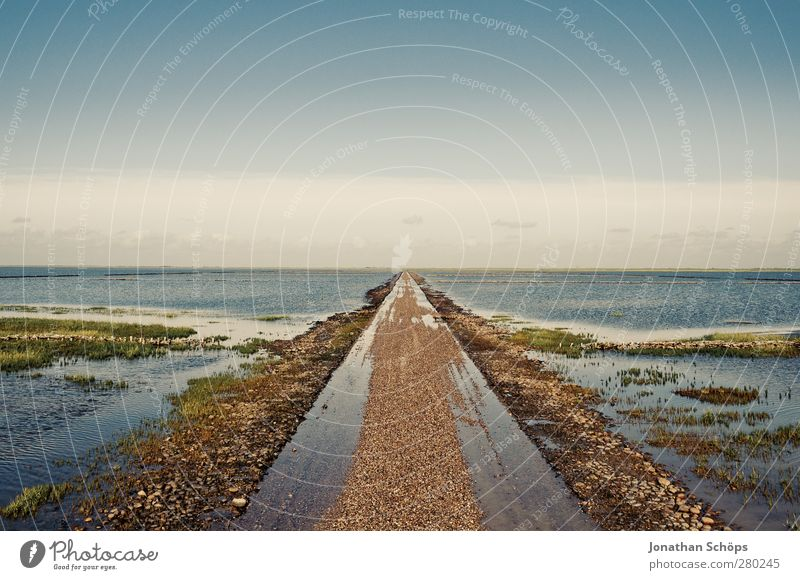 middle Environment Nature Landscape Exceptional Infinity North Sea Islands Lanes & trails Street Inundated Deluge Low tide High tide Central perspective Middle
