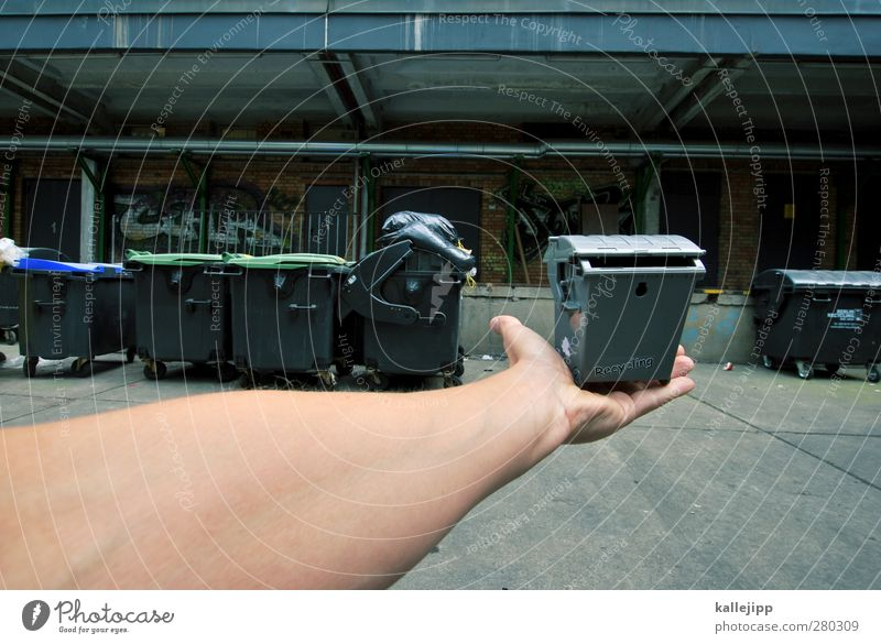 recyclable Human being Hand Fingers 1 Environment To hold on Keg Trash Trash container Recycling Recycling container Recyclable material Dustman