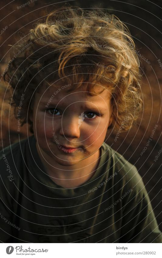 Human being Child Beautiful Girl Face Sadness Boy (child) Head Infancy Communicate Grief Desire Curl Shame Innocent Compassion
