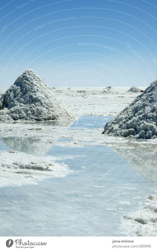 Sky Nature Blue Water White Loneliness Calm Winter Landscape Environment Freedom Exceptional Natural Esthetic Adventure