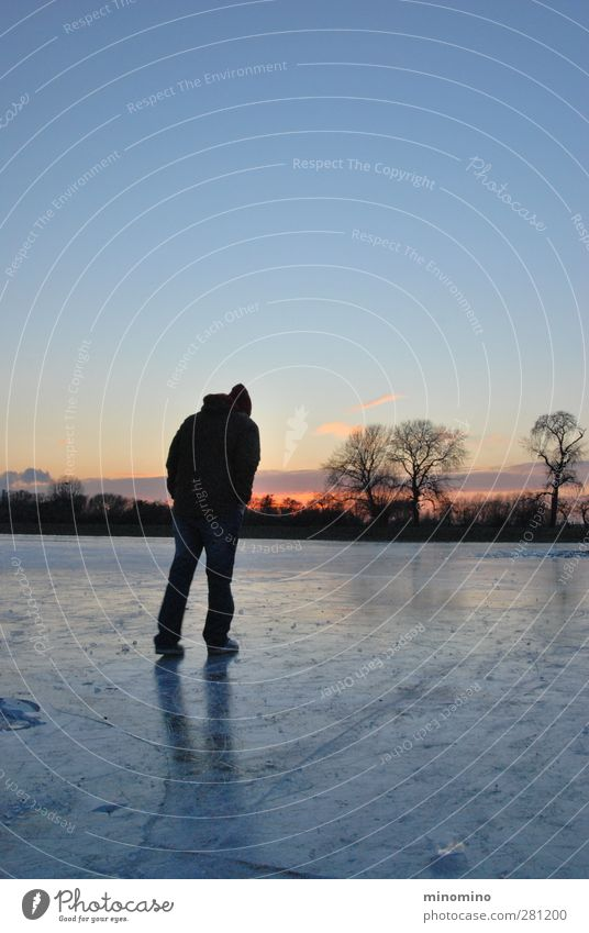 Man on ice surface in winter Winter Winter vacation Human being Masculine Adults Body 1 18 - 30 years Youth (Young adults) Landscape Sky Sunrise Sunset Ice