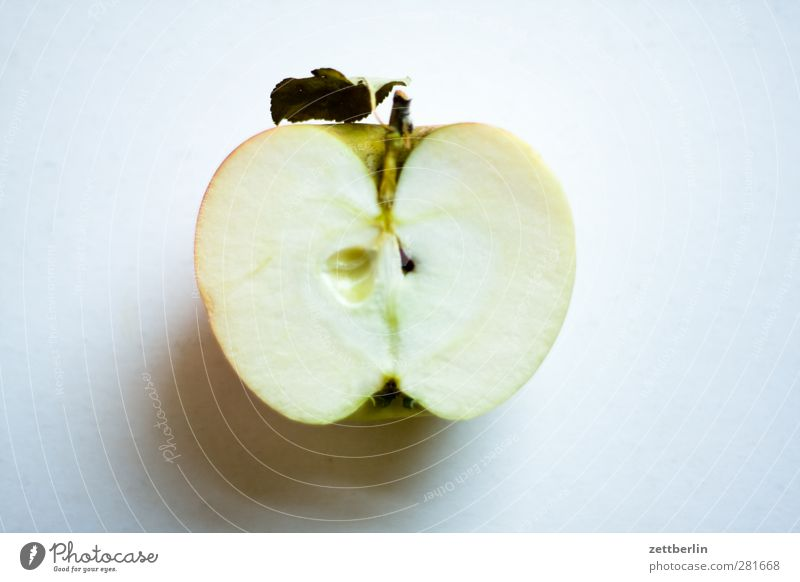 Apple (half) Food Fruit Nutrition Organic produce Vegetarian diet Diet Fasting Slow food Fresh organic Harvest Eating Housing salubriously Half