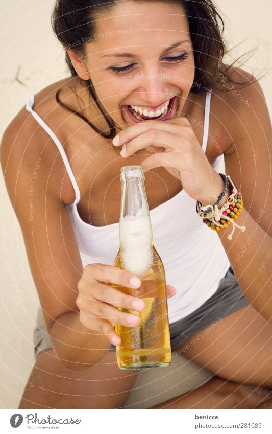 beach party Woman Human being Beach Vacation & Travel Beer Beverage Bottle Bottle of beer Laughter Smiling Joy Sandy beach Funny Drinking Alcoholic drinks