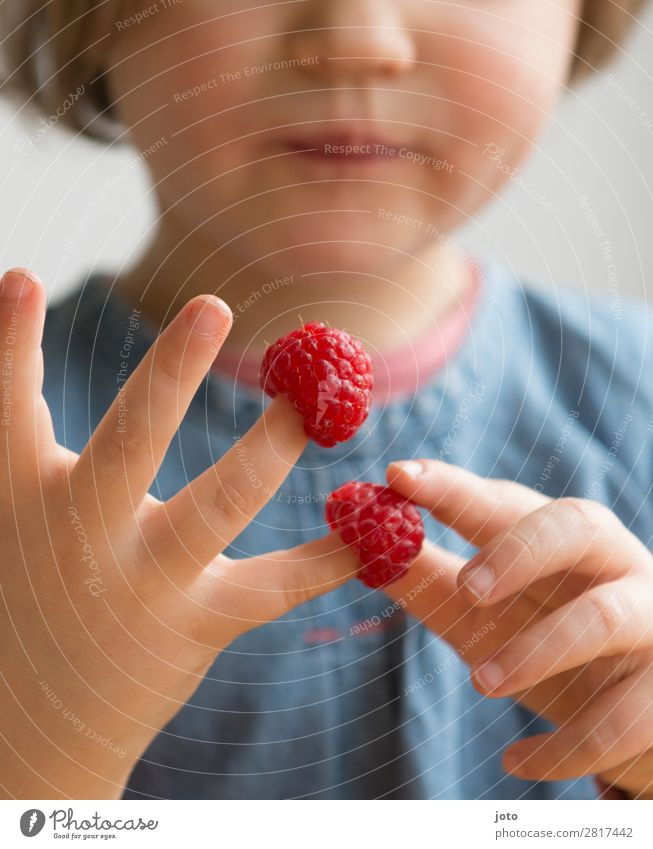 Child Vacation & Travel Nature Healthy Eating Summer Red Hand Dish Food Fruit Contentment Sweet Fresh Infancy Joie de vivre (Vitality)