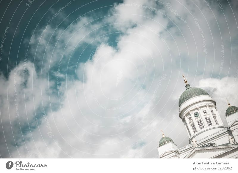 let's meet in Helsinki Finland Capital city Port City Downtown Old town House (Residential Structure) Dome Manmade structures Building Architecture Facade