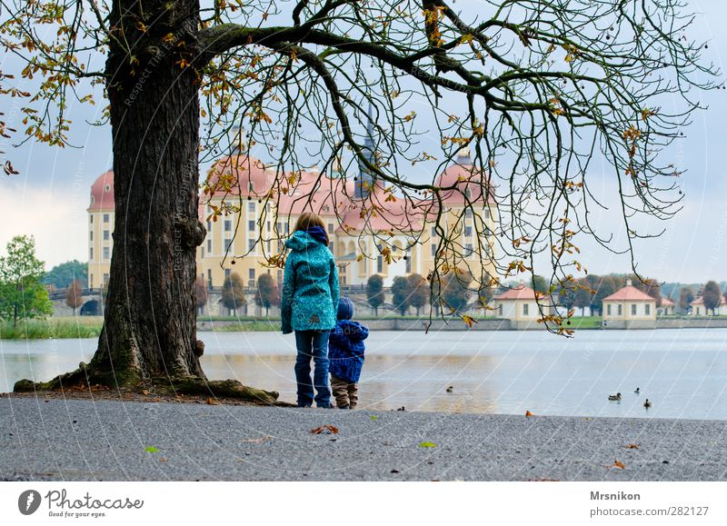 Moritzburg Vacation & Travel Tourism Trip Sightseeing Toddler Brothers and sisters 2 Human being 1 - 3 years 8 - 13 years Child Infancy Museum Architecture