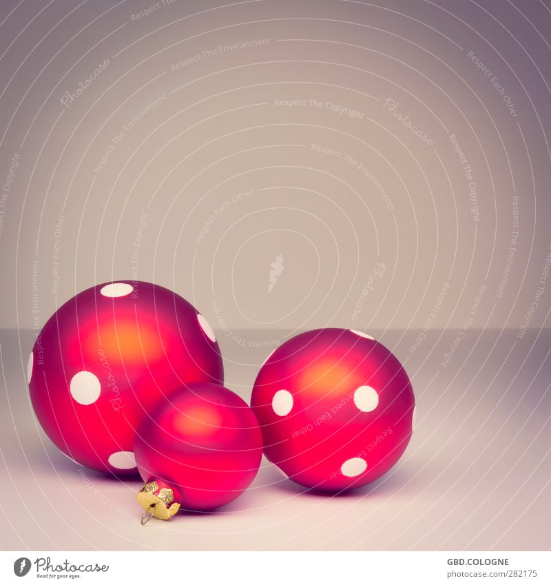 Christmas & Advent Red Brown Glass Round Point Kitsch Sphere Christmas tree Still Life Public Holiday Christmas decoration Fragile December Christmas tree decorations Odds and ends