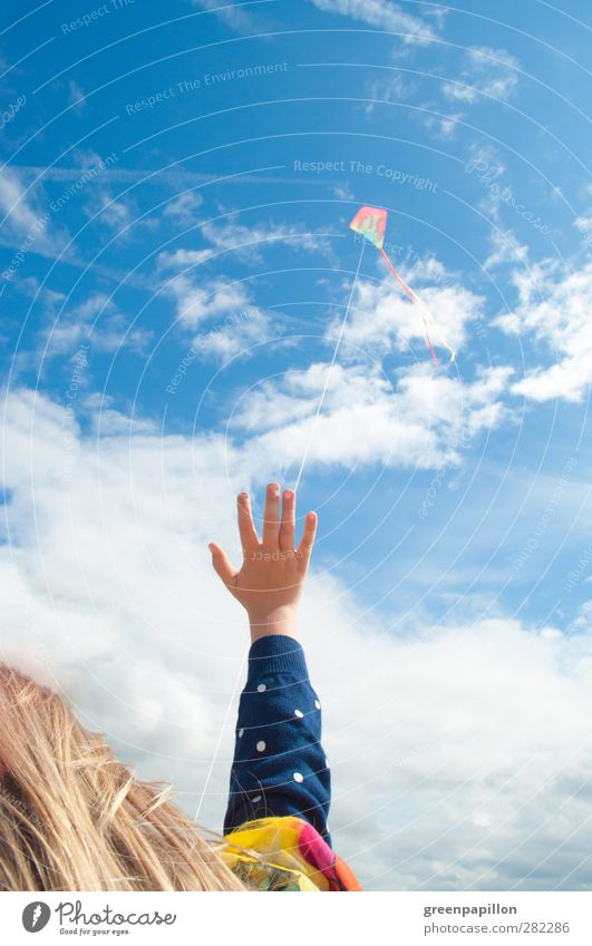 Fly, kite! Fly! Playing Freedom Summer Summer vacation Sun Thanksgiving Child Toddler Girl Boy (child) 1 - 3 years 3 - 8 years Infancy Sky Beautiful weather