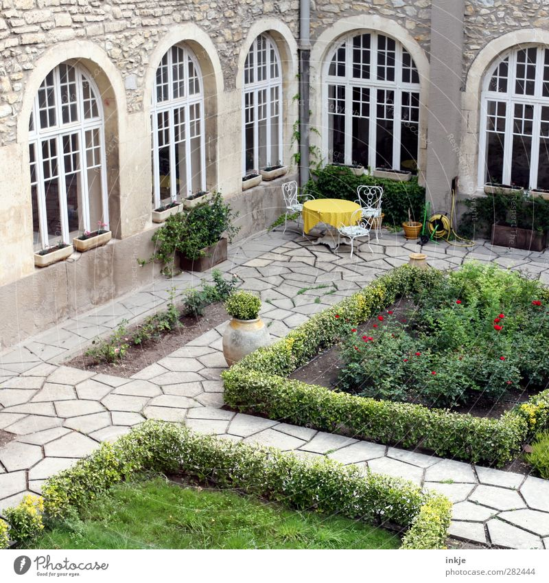Seating for 3 Lifestyle Style Leisure and hobbies Vacation & Travel Trip Garden Chair Table Gastronomy Bushes Hedge Deserted Places Manmade structures Facade