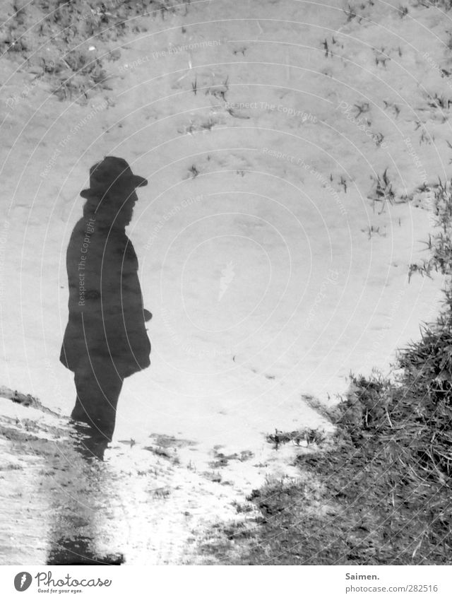 Human being Man Water Loneliness Adults Emotions Lanes & trails Sadness Think Moody Body To go for a walk Hope Transience Grief Hat