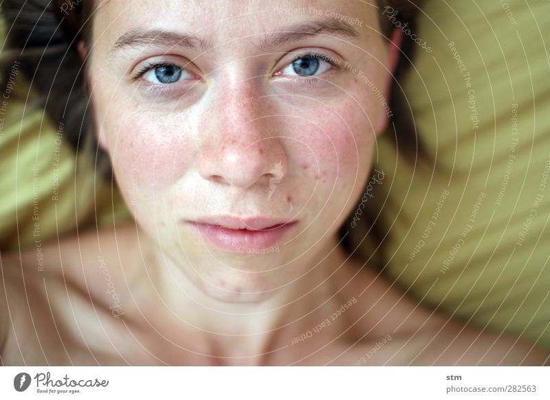 Without make-up Feminine Woman Adults Skin Head Hair and hairstyles Face Eyes Nose Mouth Freckles 1 Human being 30 - 45 years Female nude Naked Naked flesh