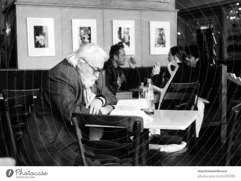 viennese café Vienna Café Senior citizen Reading Man Male senior Black & white photo Interior shot Guest 60 years and older Concentrate White-haired Downward