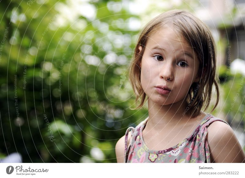 five more minutes, mama - come schooooon! Human being Feminine Child Face 1 8 - 13 years Infancy Looking Beautiful Natural Curiosity Emotions Moody Anticipation