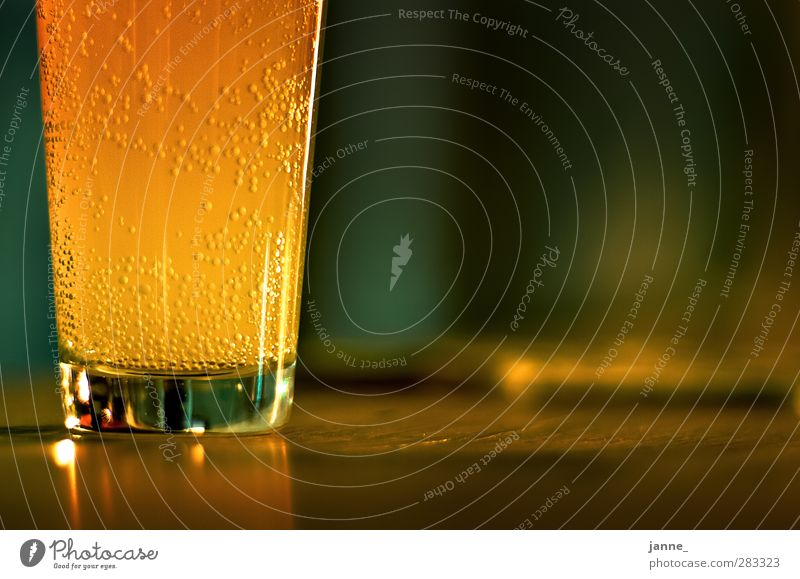 fizzy Beverage Cold drink Lemonade Glass Wood Round Brown Yellow Gold Green Colour photo Close-up Copy Space right