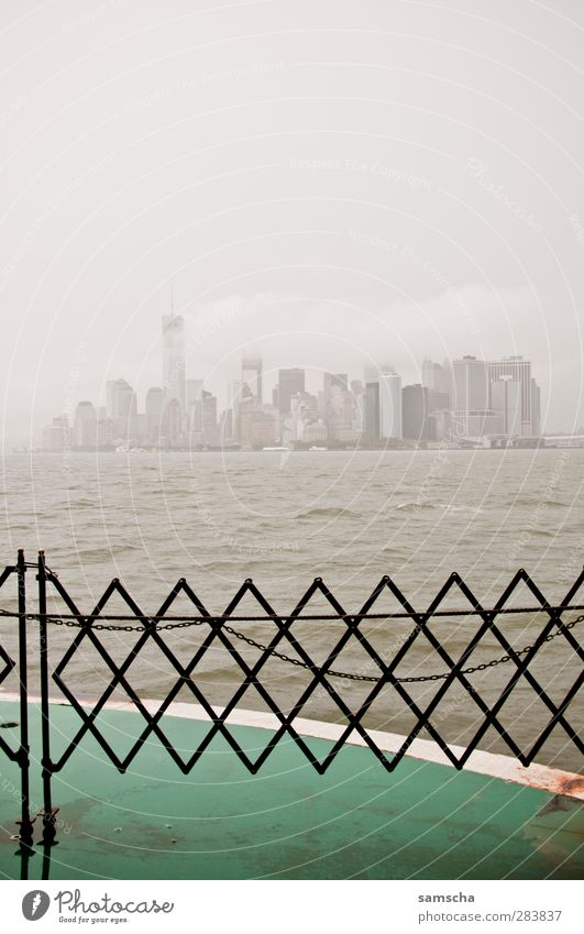New York City Water Drops of water Clouds Storm clouds Weather Bad weather Wind Gale Fog Rain Town Skyline High-rise Bank building Navigation Passenger ship