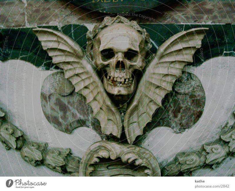 uaha Paddle Bat Historic Death Death's head Religion and faith Dome Marble