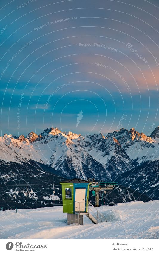 Nature Landscape Winter Mountain Snow Freedom Rock Trip Contentment Leisure and hobbies Hiking Fresh Beautiful weather Peak Alps