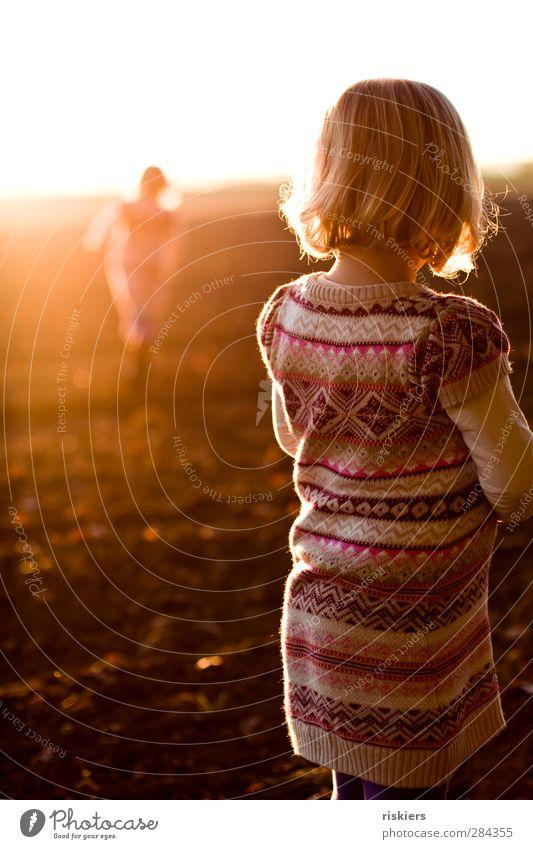 stay Human being Feminine Child Toddler Girl Infancy 2 1 - 3 years 3 - 8 years Sun Sunrise Sunset Sunlight Field Illuminate Running Looking Stand Dream Sadness