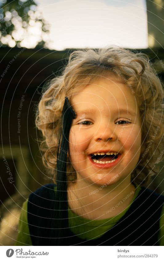 Human being Child Girl Joy Face Warmth Laughter Head Natural Infancy Happiness Cute Joie de vivre (Vitality) Curl Positive Ease