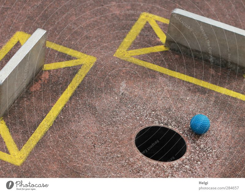 summer pleasures... Leisure and hobbies Playing Mini golf Barrier Ball Hollow Confine Concrete Metal Plastic Sign Lie Wait Esthetic Authentic Sharp-edged Round