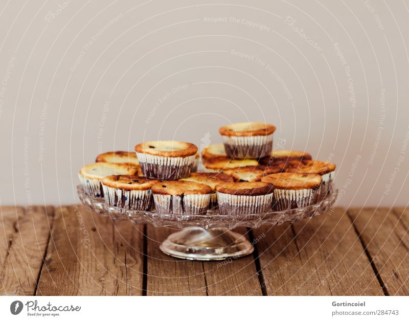 cakes Food Dough Baked goods Cake Dessert Candy Nutrition To have a coffee Delicious Sweet Muffin Cake plate Etagere Tartlet Wooden table Food photograph