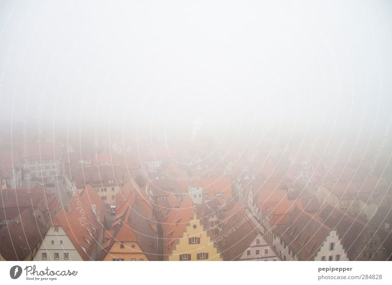 Rothenburg ob der Tauber Tourism Far-off places Sightseeing City trip Living or residing Flat (apartment) House (Residential Structure) Horizon Bad weather Fog