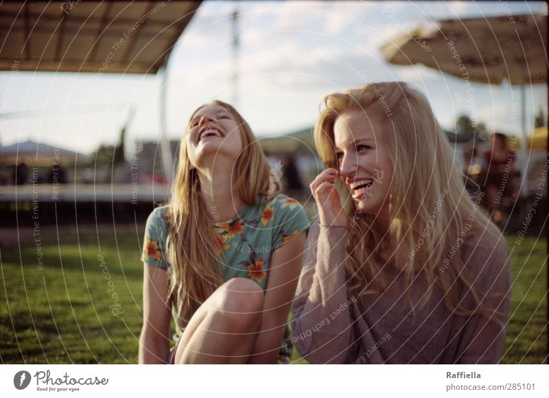 Human being Sky Youth (Young adults) Beautiful Summer Adults Face Young woman Meadow Feminine Laughter Hair and hairstyles Happy Head 18 - 30 years Blonde