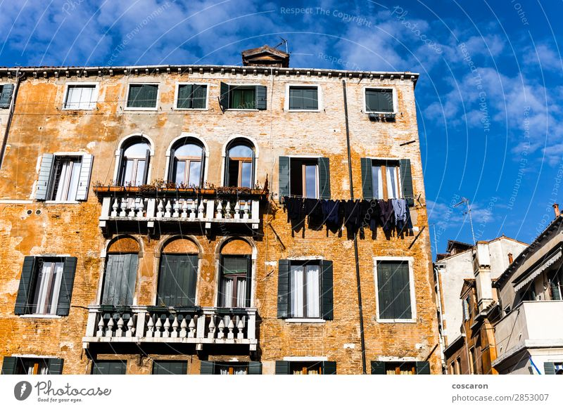 Historic building against blue sky in Venice Design Beautiful Vacation & Travel Tourism Summer Island House (Residential Structure) Sky Clouds Small Town