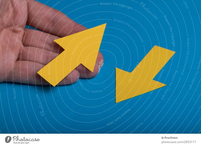 change of direction Hand Fingers Paper Sign Signage Warning sign Arrow Select To hold on Going Communicate Blue Yellow Beginning Contentment Business Target
