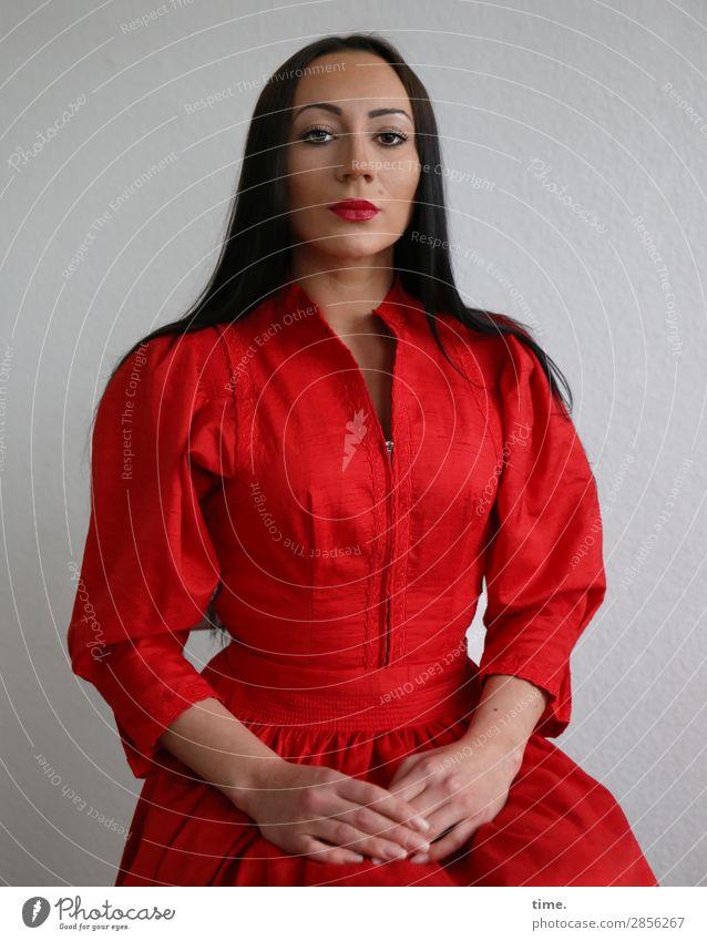 Woman Human being Beautiful Adults Feminine Time Elegant Sit Esthetic Wait Observe Cool (slang) Curiosity Dress Serene Concentrate