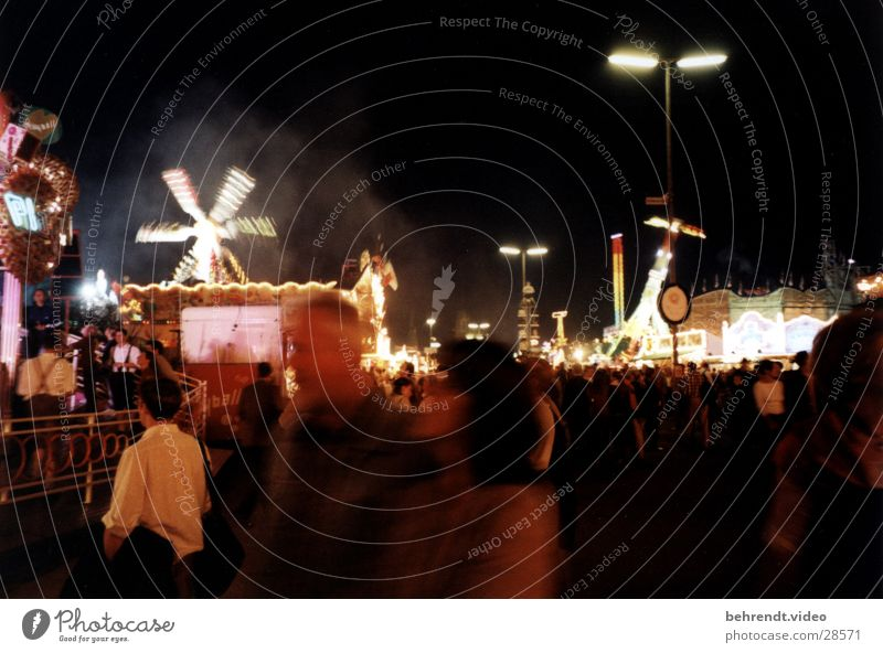 Oktoberfest Munich Theresienwiese Theme-park rides Night Light Thrill Leisure and hobbies Human being Joy