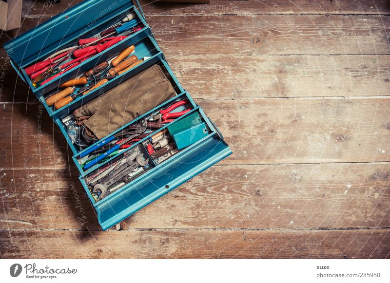 Blue Old Wood Brown Metal Work and employment Masculine Leisure and hobbies Things Floor covering Craft (trade) Collection Tool Craftsperson Workplace