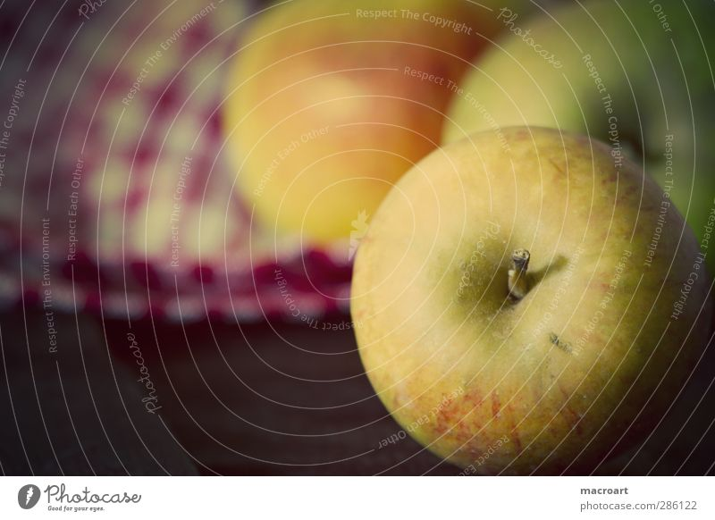 apples Food Fruit Nutrition Organic produce Vegetarian diet Diet Nature Wood Retro Yellow Mature Wooden table Board Vitamin Vitamin-rich Dish towel Colour photo