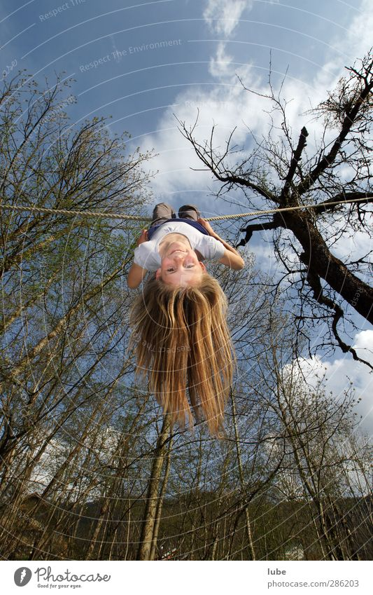inverted world Fitness Sports Training Feminine Child Infancy 1 Human being 8 - 13 years Circus Hang To swing Happiness Joie de vivre (Vitality) Ease Droop
