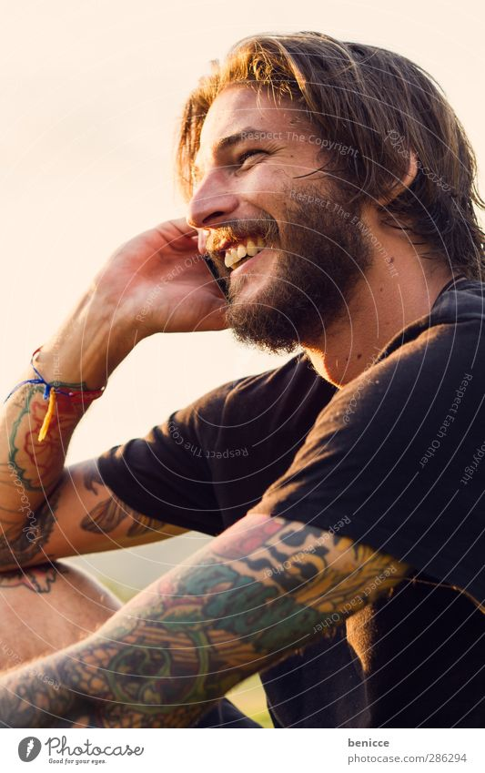 happy call Man Human being Youth (Young adults) Young man Facial hair Alternative Rocker Beard Telephone To call someone (telephone) Cellphone Laughter Smiling