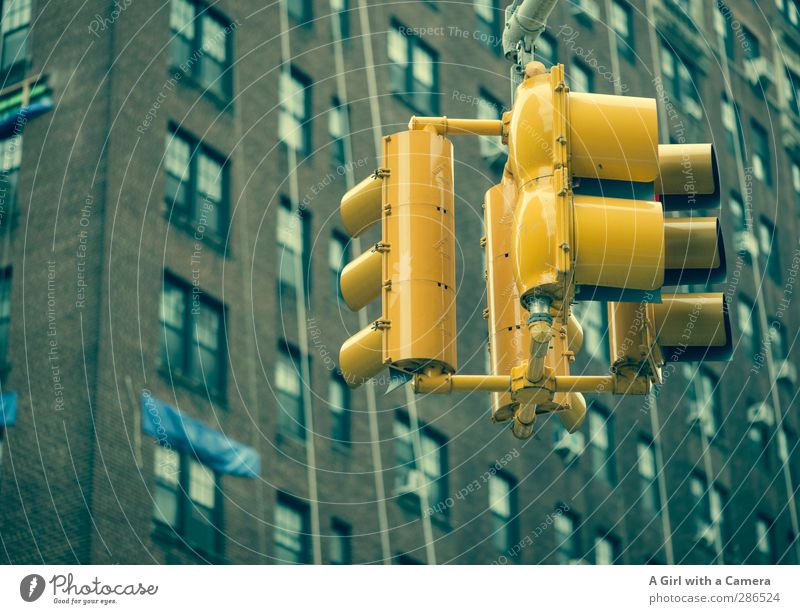 impatience New York City Town Downtown House (Residential Structure) High-rise Wall (barrier) Wall (building) Facade Window Traffic light Yellow Wait Impatience