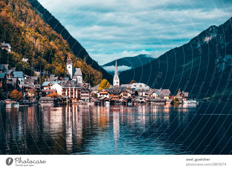 Hallstatt in autumn Vacation & Travel Tourism Trip Adventure Sightseeing Nature Landscape Beautiful weather Hill Lake Village Port City Populated