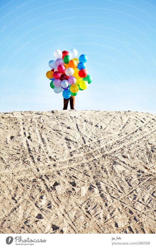 balloons Joy Happy Playing Free Joie de vivre (Vitality) Hiding place Hide Balloon Multicoloured Child Childlike Sand Dune Child stayed child in man Toys Ease