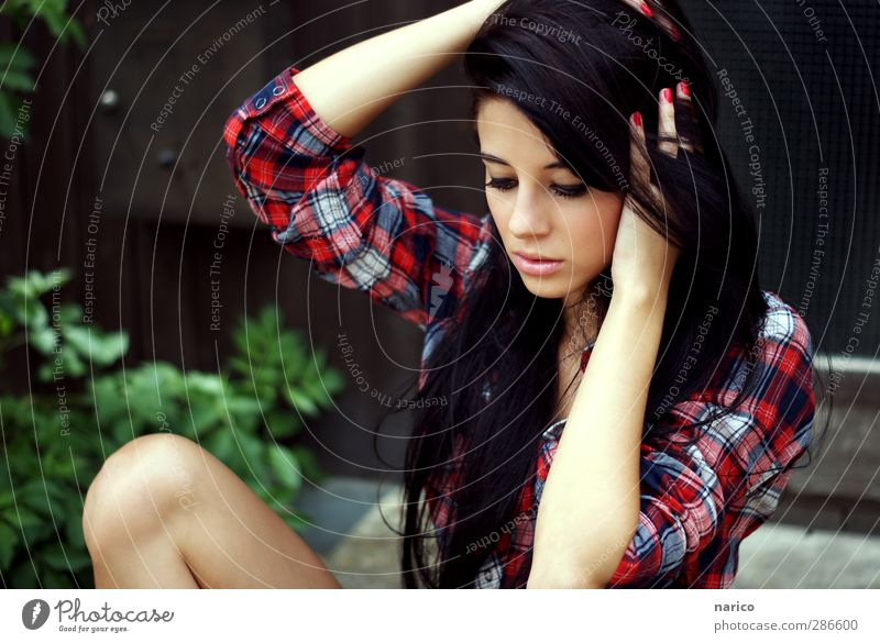 Human being Youth (Young adults) Loneliness Calm Adults Face Young woman Love Feminine Emotions Hair and hairstyles Head Style 18 - 30 years Dream Moody