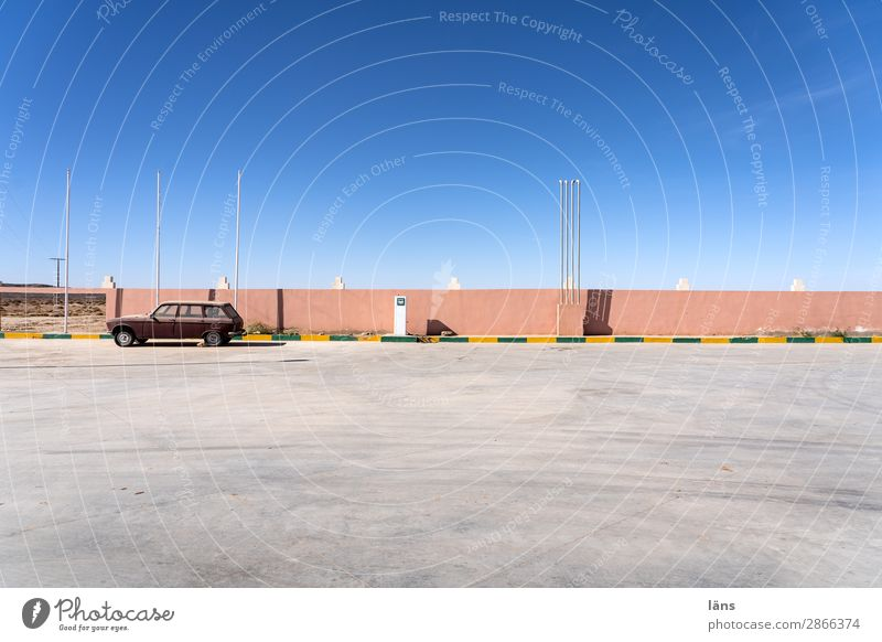 tank and rest Trip Beautiful weather Morocco Places Wall (barrier) Wall (building) Transport Traffic infrastructure Street Lanes & trails Car Simple Longing