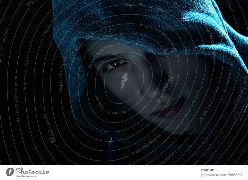 Connor Night life Hallowe'en Human being Young man Youth (Young adults) Adults Face 1 Observe Think Listening Looking Sadness Wait Aggression Threat Dark Creepy