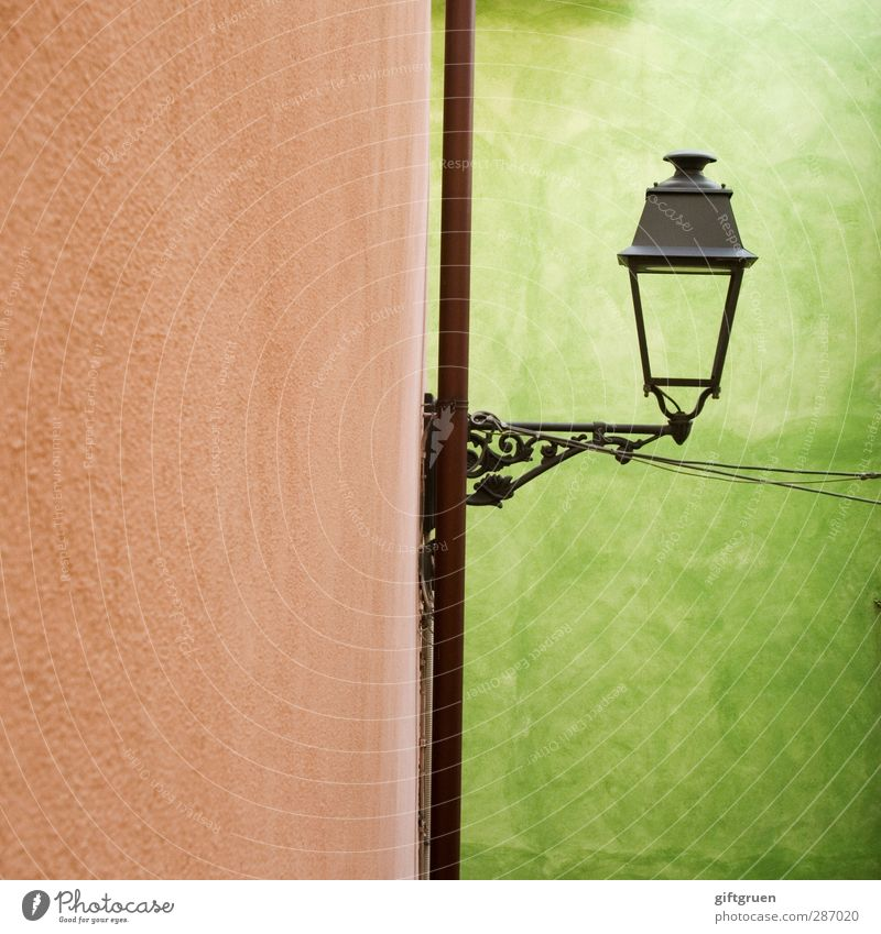Old Green House (Residential Structure) Wall (building) Wall (barrier) Lighting Lantern Curlicue