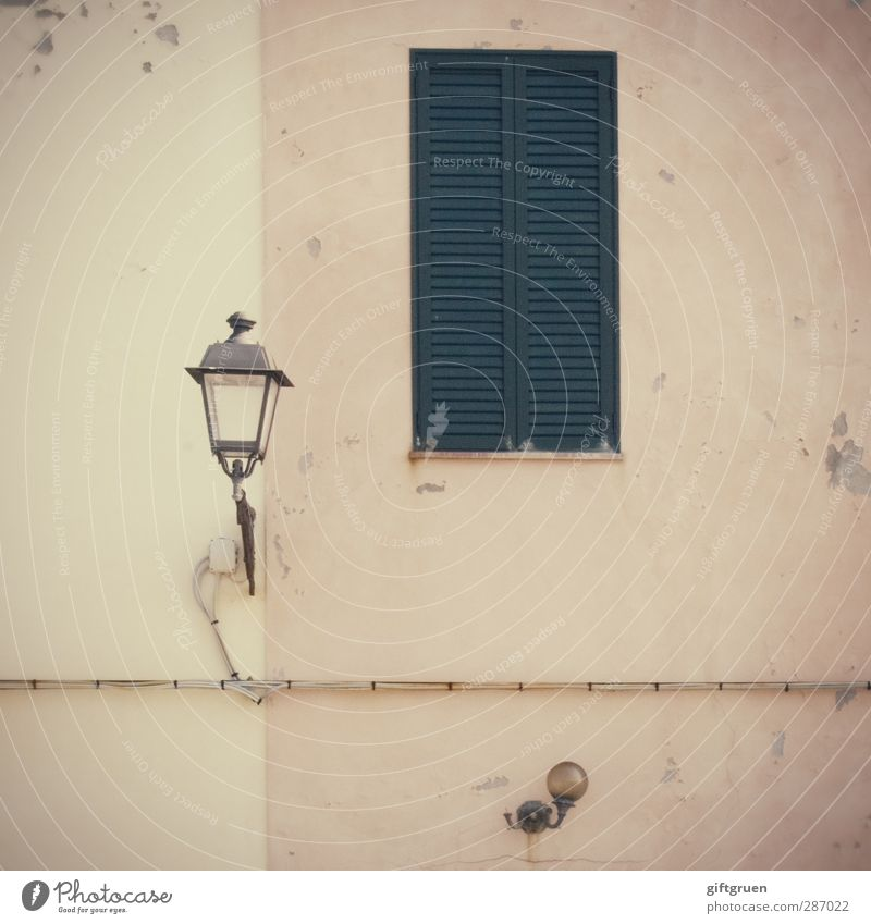 Old House (Residential Structure) Window Wall (building) Wall (barrier) Lighting Bright Facade Closed Lantern Street lighting Plaster Shutter Old town