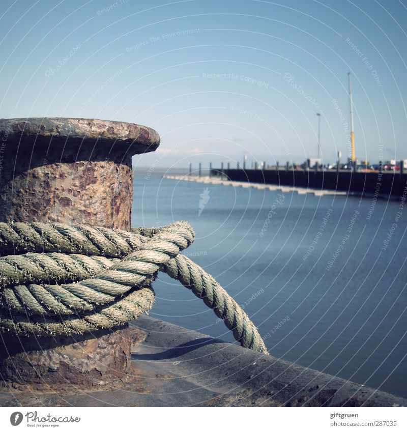 Sky Water Ocean Coast Metal Rope To hold on Harbour Navigation Rust Jetty Flagpole Knot Whorl Fastening Oxydation
