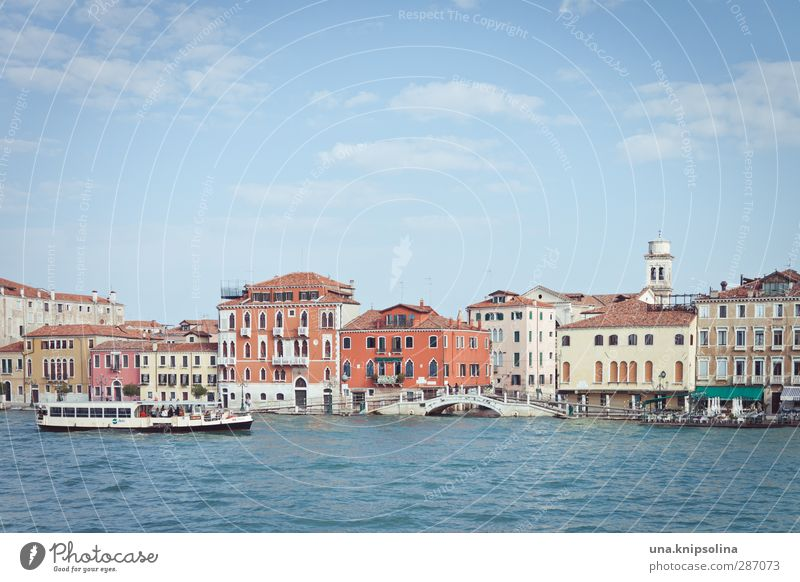 ...dig Vacation & Travel Tourism Sightseeing City trip Water Venice Italy House (Residential Structure) Bridge Building Architecture Navigation Boating trip